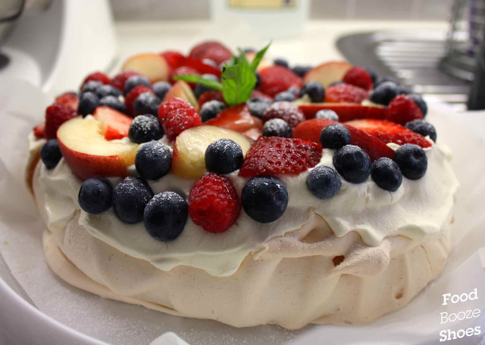 ... , booze and shoes: Merry Christmas to all and to all a happy pavlova