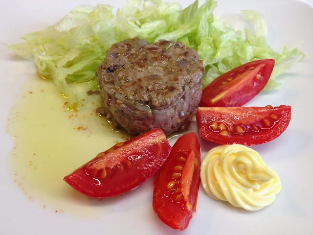 hamburger di chianina alle cipolle di certaldo