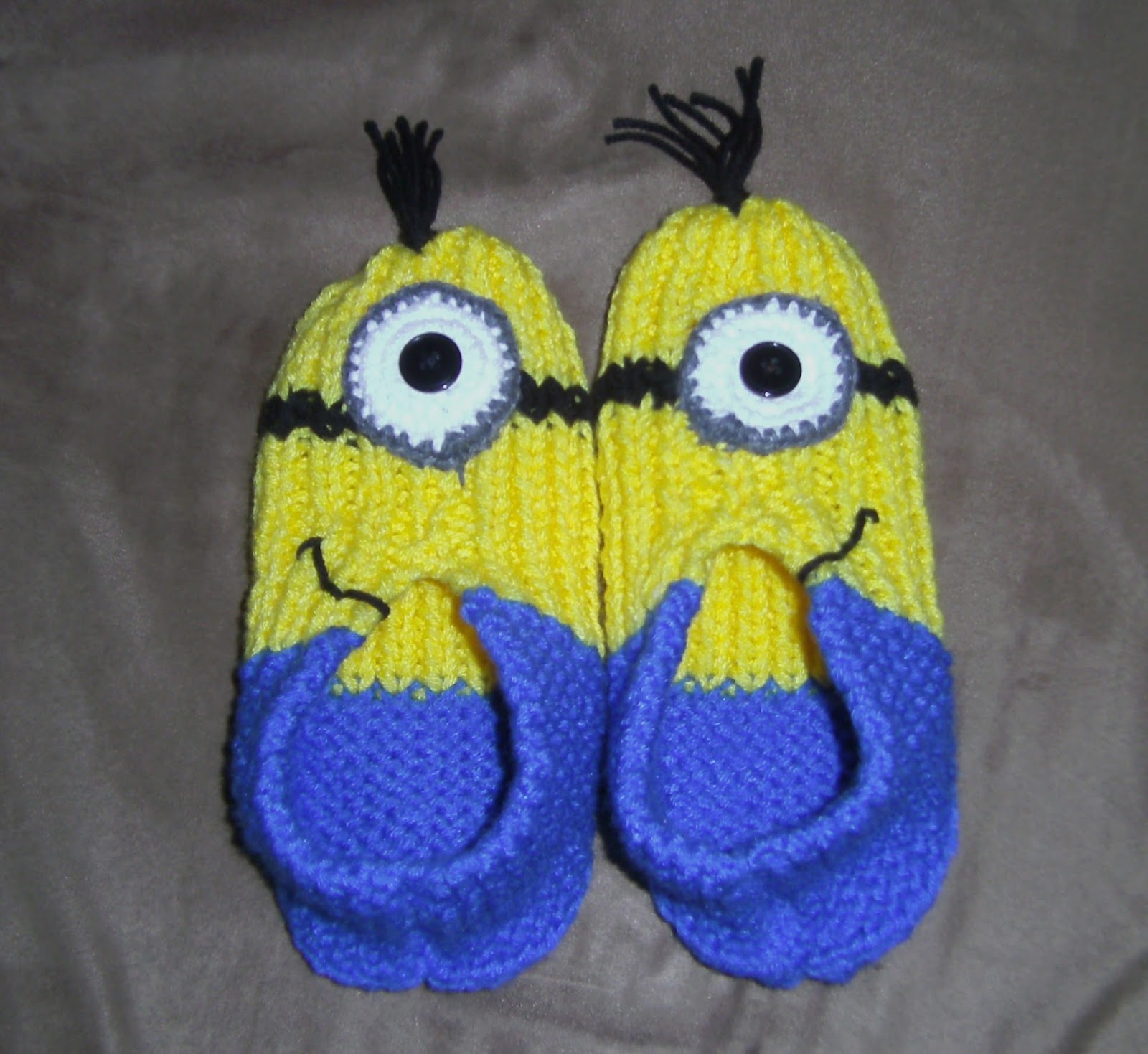 Free Pattern Crochet Minion Slippers : Timeless Creations: Knitted Minion Slippers