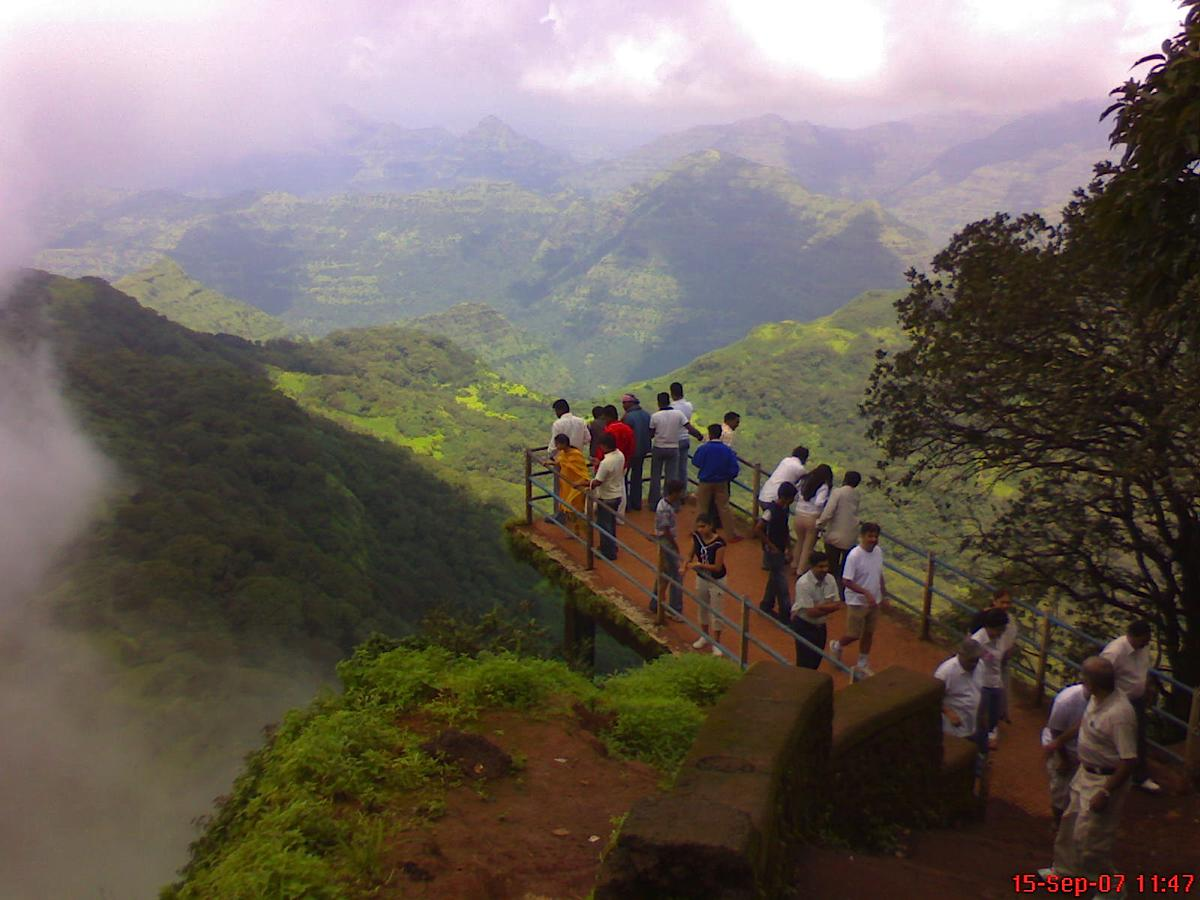 trip to mahabaleshwar How to plan a 1 day tour itinerary for mahabaleshwar famous for its lake, temple and the unique hills and points in mahabaleshwar, there is lot to see.