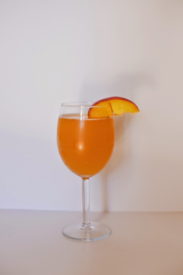 Baby Bellini #mocktail #virgin #recipe