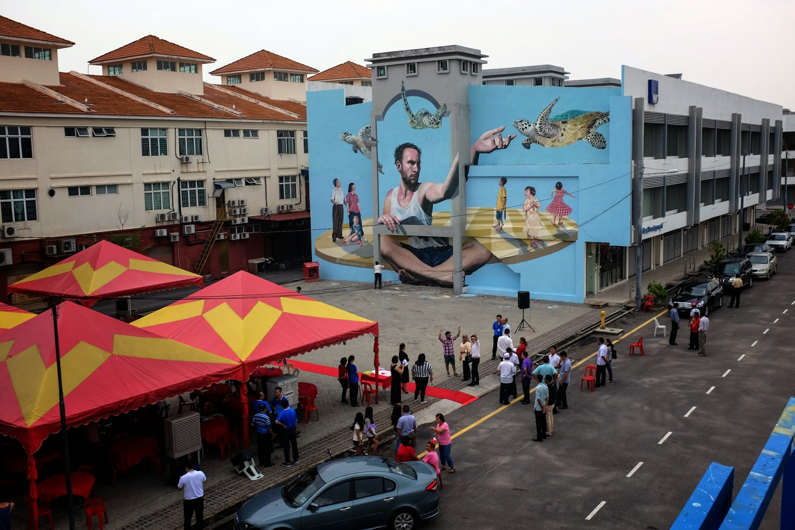 Martin ron unveils a new mural in penang malaysia for Mural 1 malaysia