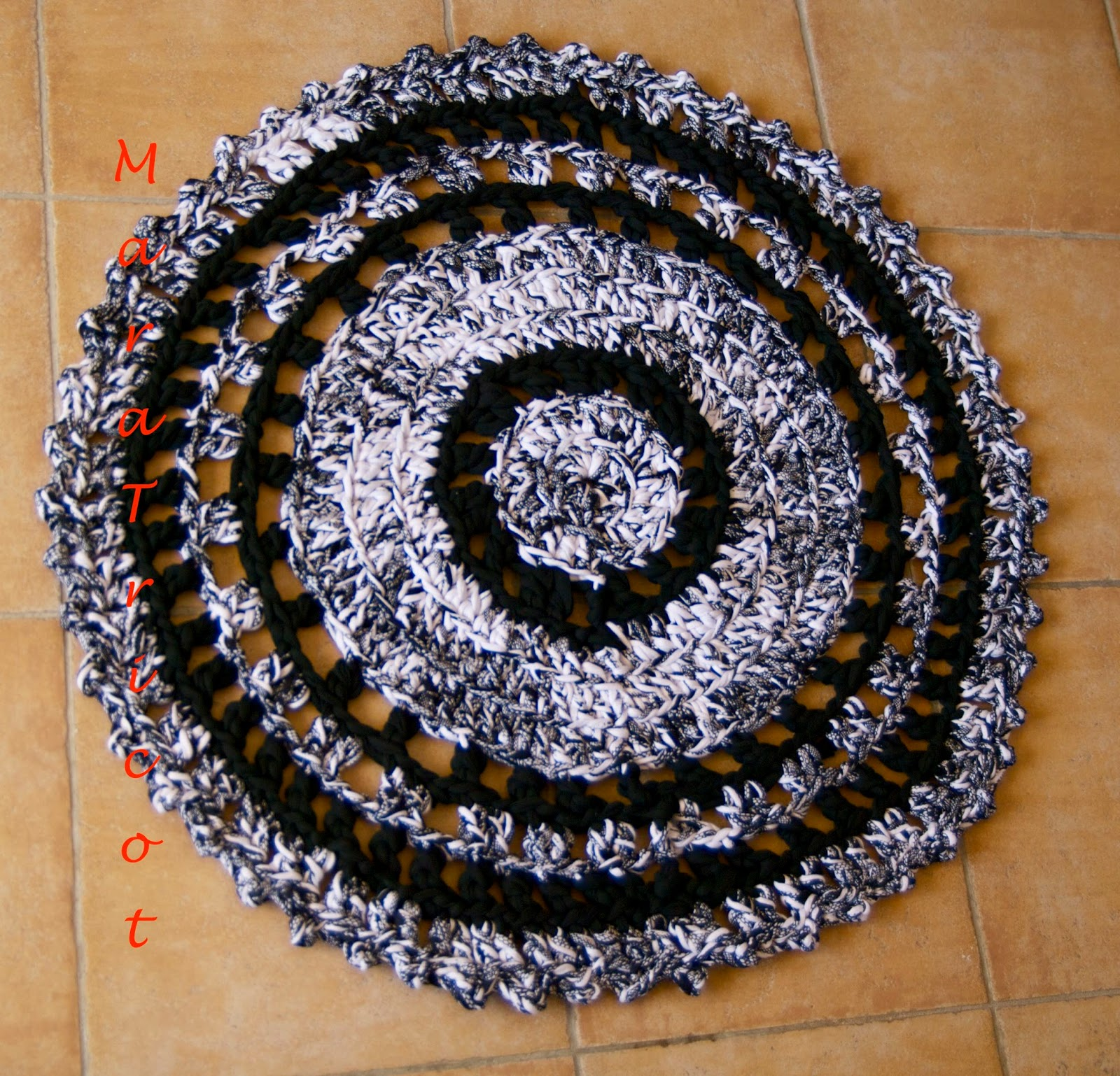 Crochet en 80 labores secci n alfombras de trapillo - Alfombras de trapillo ...