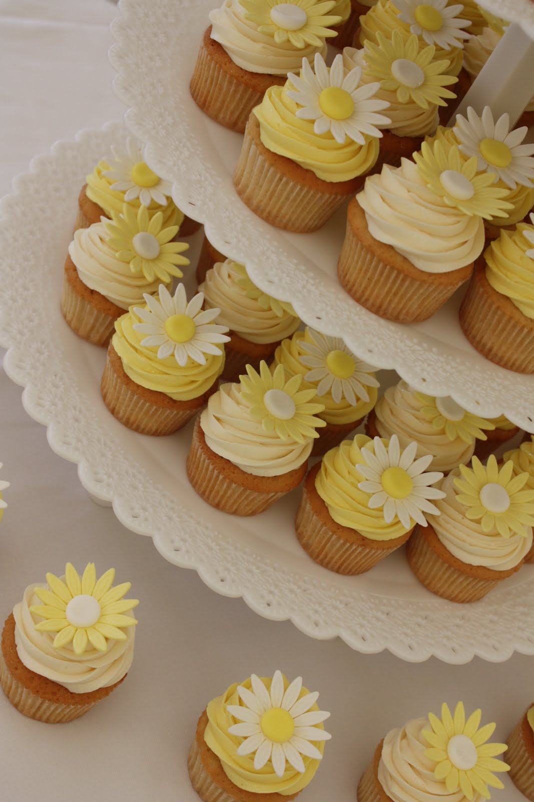The Little House of Cupcakes April 2011
