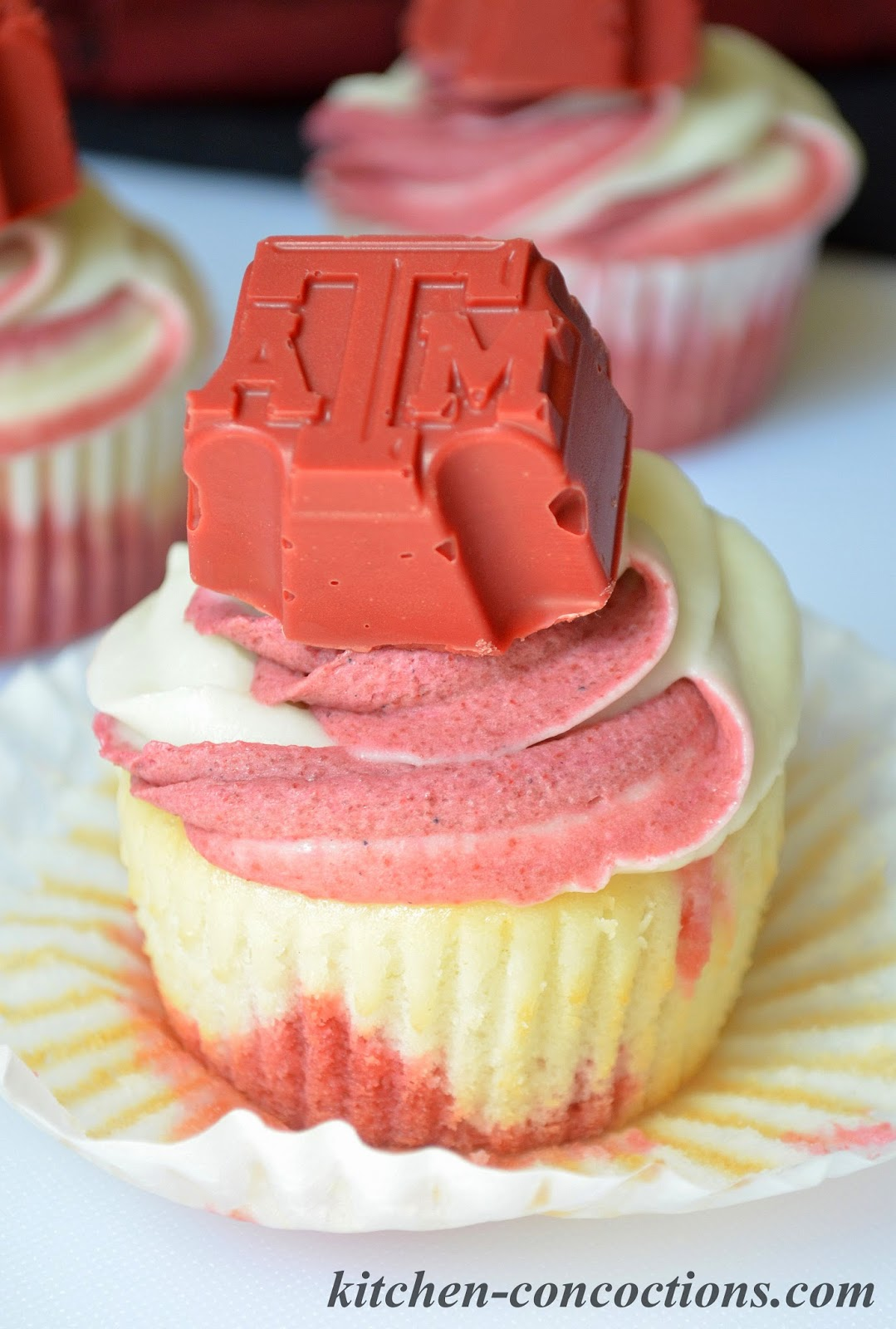 Tailgating Recipes: Game Day Cupcakes - Kitchen Concoctions