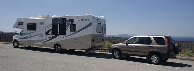 towing a car behind your rv tito 39 s rv blog. Black Bedroom Furniture Sets. Home Design Ideas