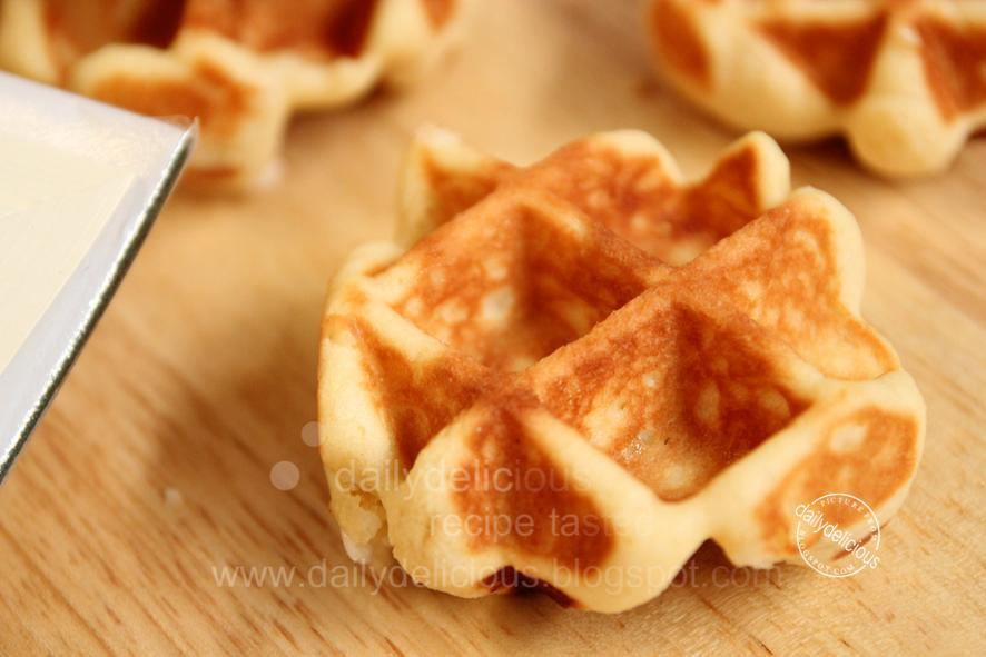 dailydelicious: Easy Belgium waffle: No need to knead, and you still ...