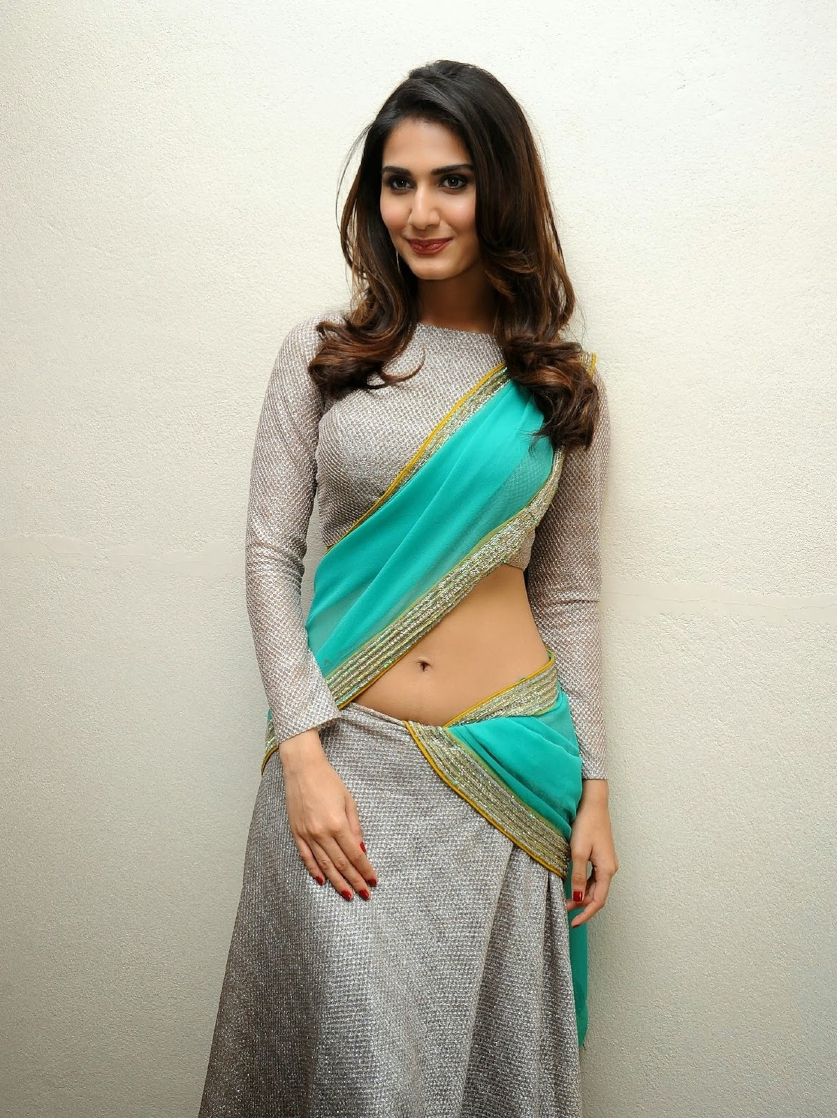 Show In Saree At Telugu Film 'Aaha Kalyanam' Pre Release Press Meet ...