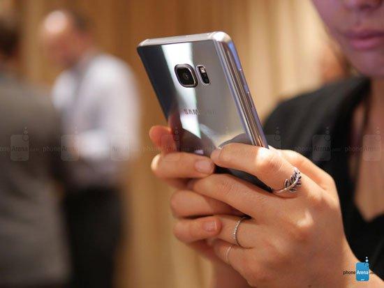صورة سامسونج جلاكسى S6 إيدج بلس البلاتين