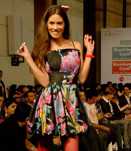 Bollywood Models at Nishka Lulla's 'Cyclothon Fashion Show - SEXIEST FASHION SHOWS IN THE WORLD PICS - Famous Celebrity Picture