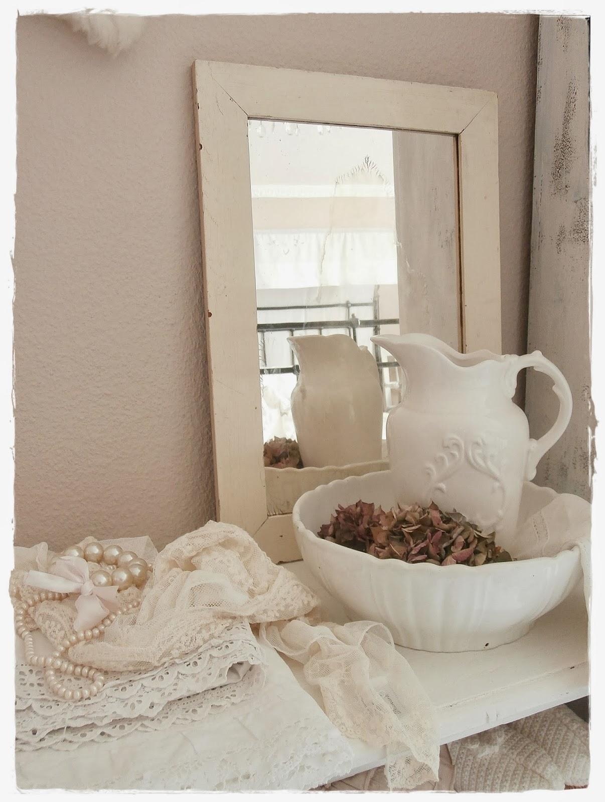 Landhausstil schlafzimmer rosa  Rosa Wandfarbe Schlafzimmer: Funvit.com dekoration für couchtisch.