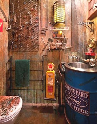 Steampunk decorating ideas victorian punk rock style for Punk rock bathroom decor