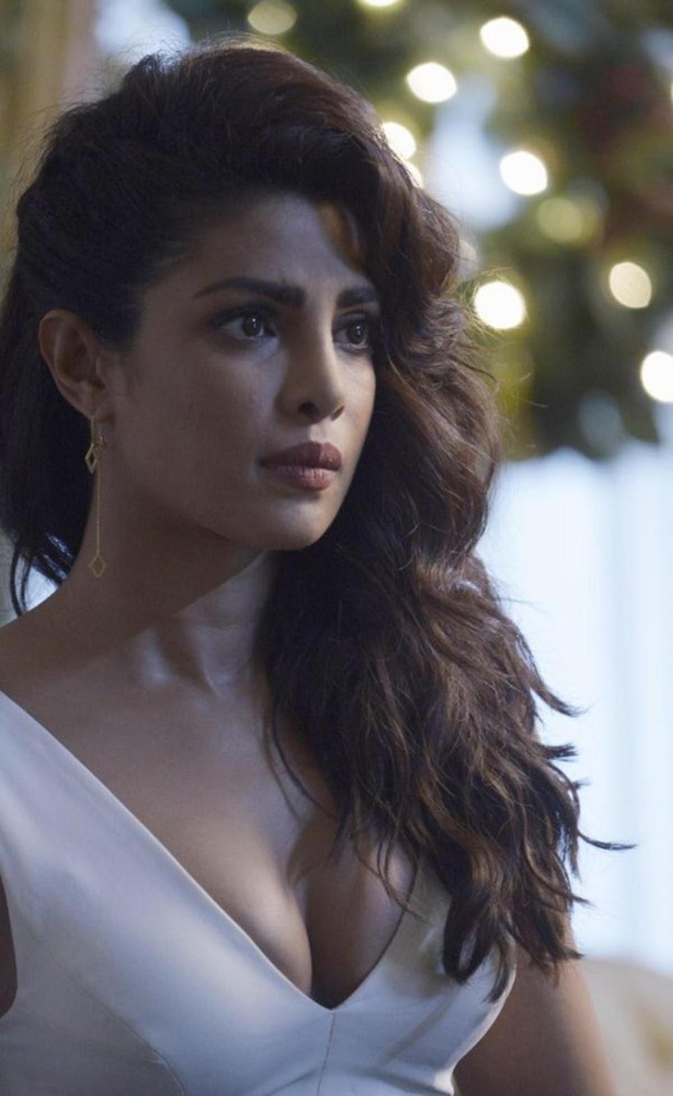 Bharatbytes: Priyanka Chopra Hot Pics from Quantico