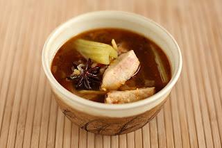 kínai dai konyha friss gyömbér chili édes pirospaprika paprika halászlé halleves ponty hal thai citromfű szójaszósz halszósz kovászos angolzeller savanyított tejsavas erjesztés