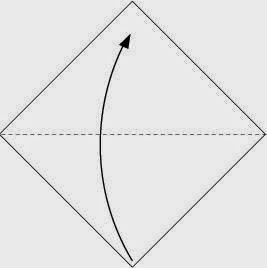 Bước 1: Gấp tờ giấy lại theo chiều từ dưới lên trên.