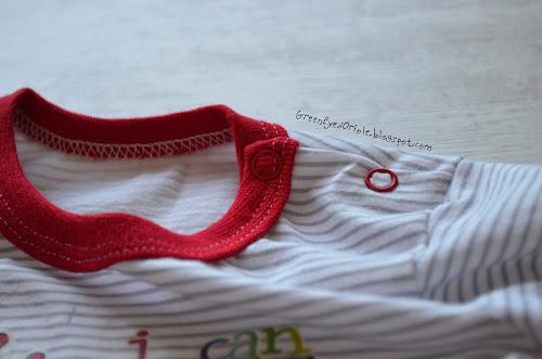 Лонглсив (футболка) с застежкой на плече на кнопках