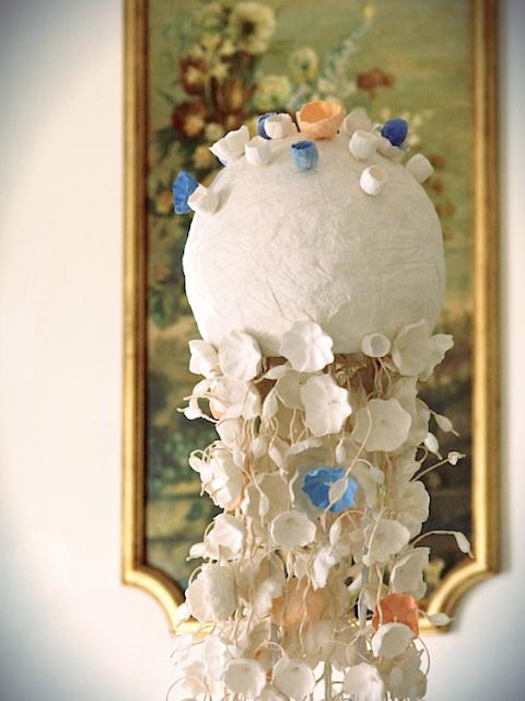 matrimonio ecologico in stile vittoriano a villa miani, centrotavola con fiori di carta