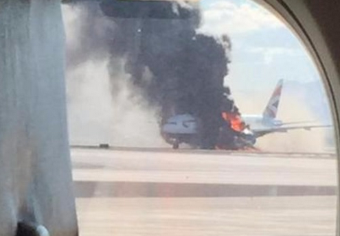 British Airways plane catches fire at Las Vegas airport (photo)  1