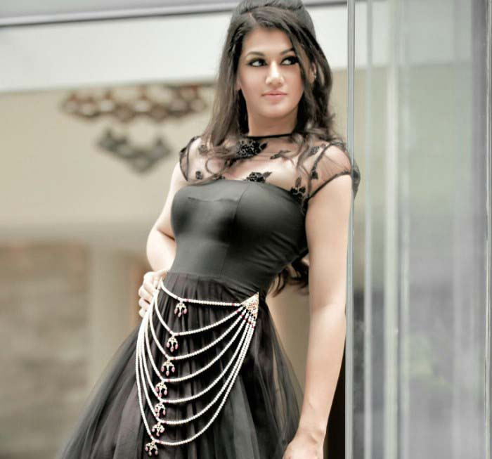 Taapsee pannu latest hot photoshoot masala gallery for Latest hottest pics