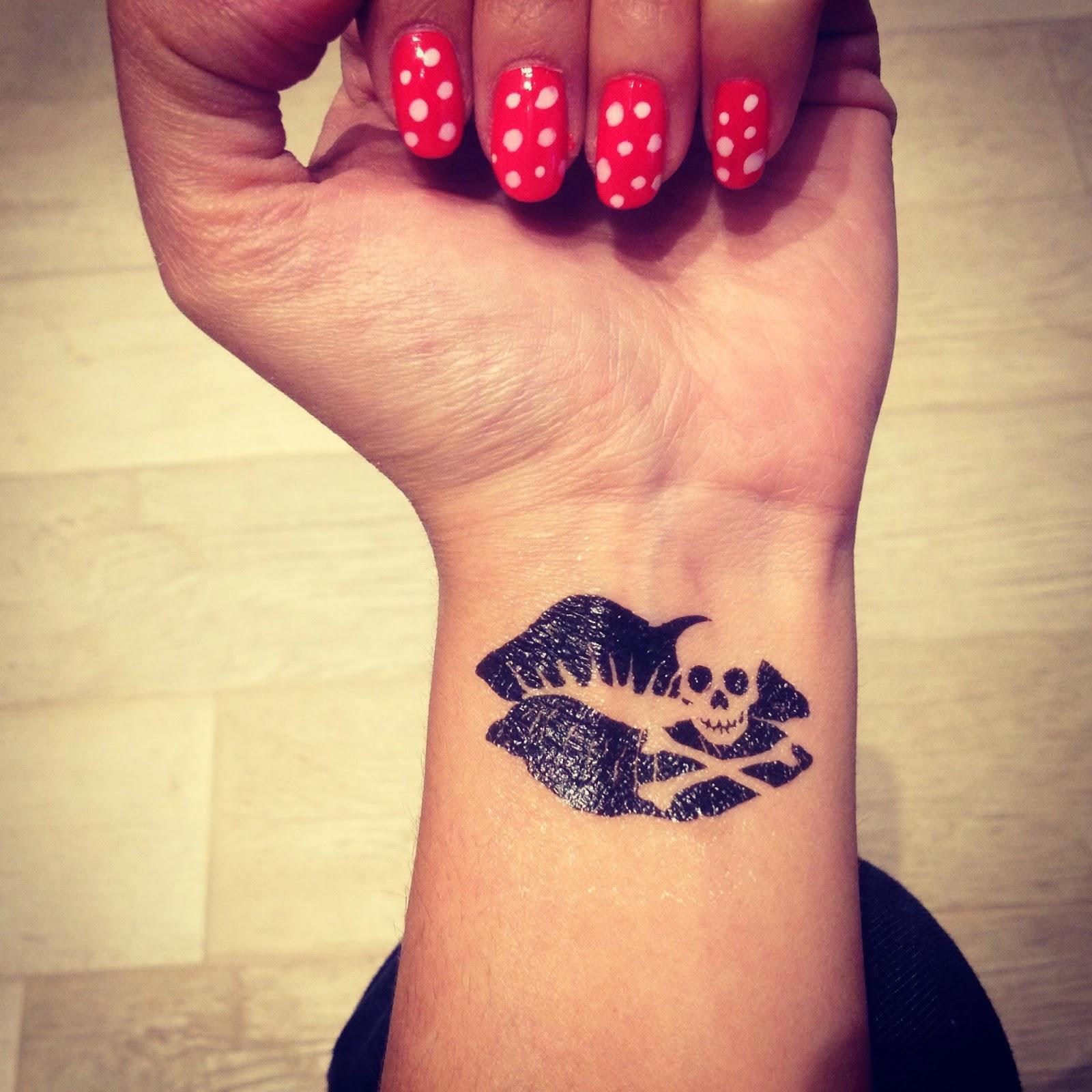 Enjoy the silence tattoo for a week la pi ampia scelta for Tattoo fiori sul polso