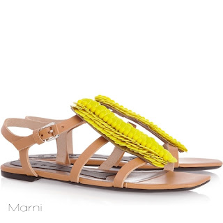 sandalet model yaz2 - Sandaletler Geri D�n�yor