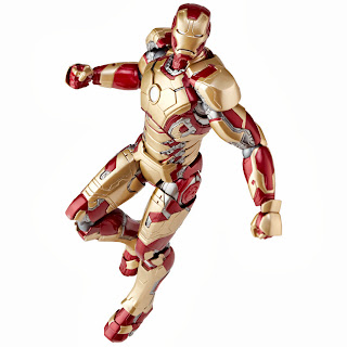 Kaiyodo Revoltech Iron Man 3 - Iron Man Mark 32 Figure