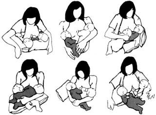 Posisi menyusui bayi kembar