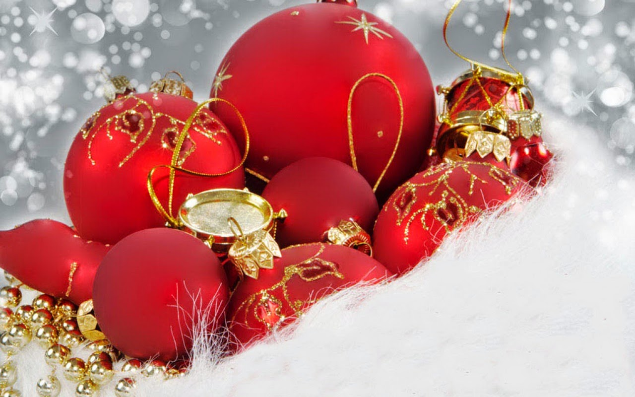 Christmas-red-baubles-with-golden-stripes-design-snow-background-image-HD-wallpaper.jpg