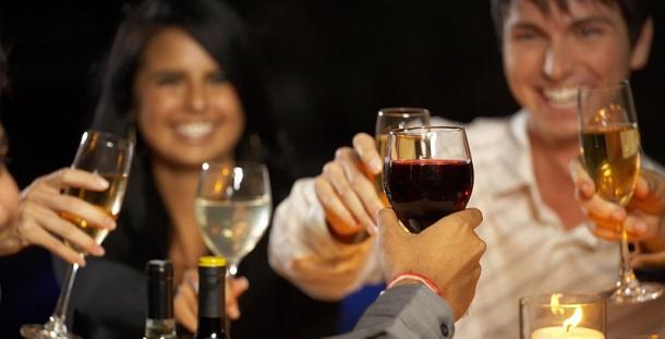 Beber em excesso pode prejudicar a capacidade de interpretar os sinais sociais