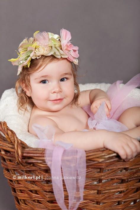 fotograf dziecięcy poznań, fotografia dziecięca poznań joanna jaśkiewicz, zdjęcia niemowlaka dzieci dziecka, sesje niemowlęce niemowląt niemowlaków, sesja rodzinna , Poznań, studio fotograficzne, profesjonalne sesje zdjęciowe, sesja niemowlaka