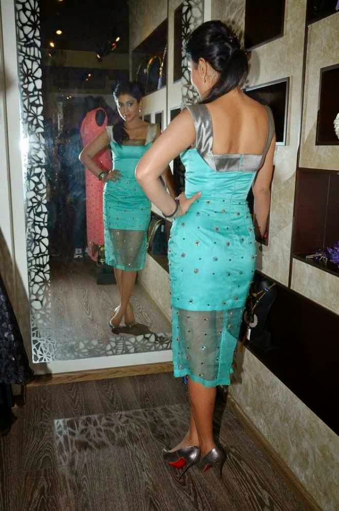 Shriya Saran Latest Smoking Hot Photo