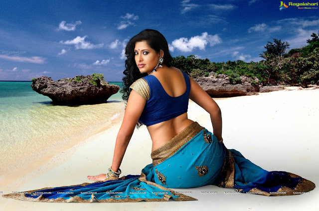 Funtoosh Page....Have FunBath !!!: Desi Bhabhi Showing Erotic Navel ...