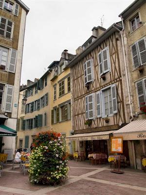 Rue du Château de Pau