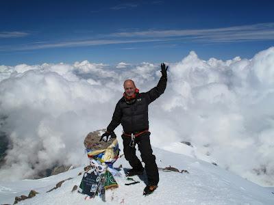 Ricardo Florez en el Mt. ELBRUS 5.642m el Coloso del Cáucaso el 12 de Julio del 2013