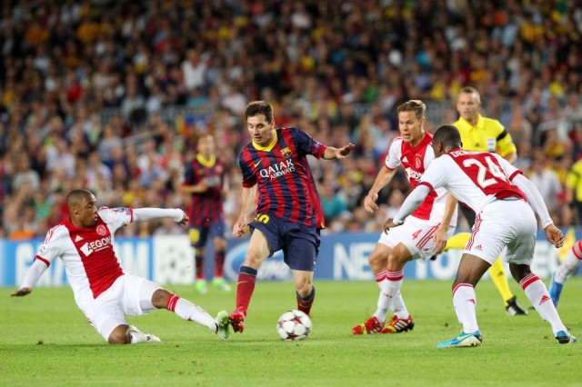 1 Hasil Skor Barcelona vs Ajax Liga Champions: Lionel Messi Hattrick!