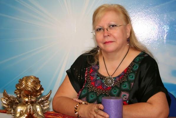 Rosalía Zabala García, maestra de reiki, maestra de tarot y angeóloga