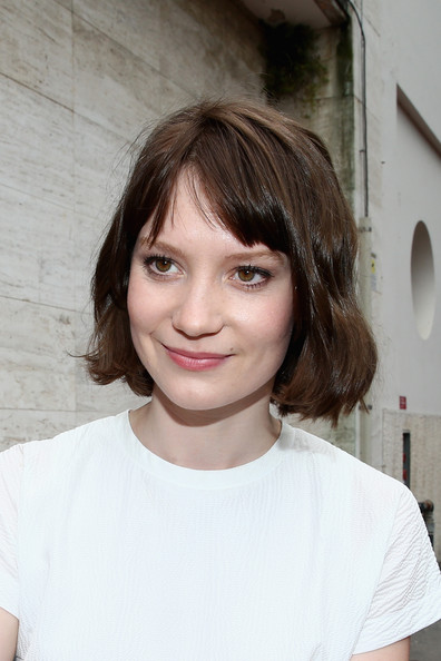 Mia Wasikowska Short Hairstyle Lookbook