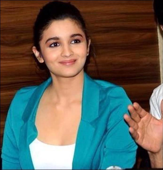 ALIA BHATT PLANS TO MARK HER PLACE IN THE MOVIES FOR THE LONG HAUL!