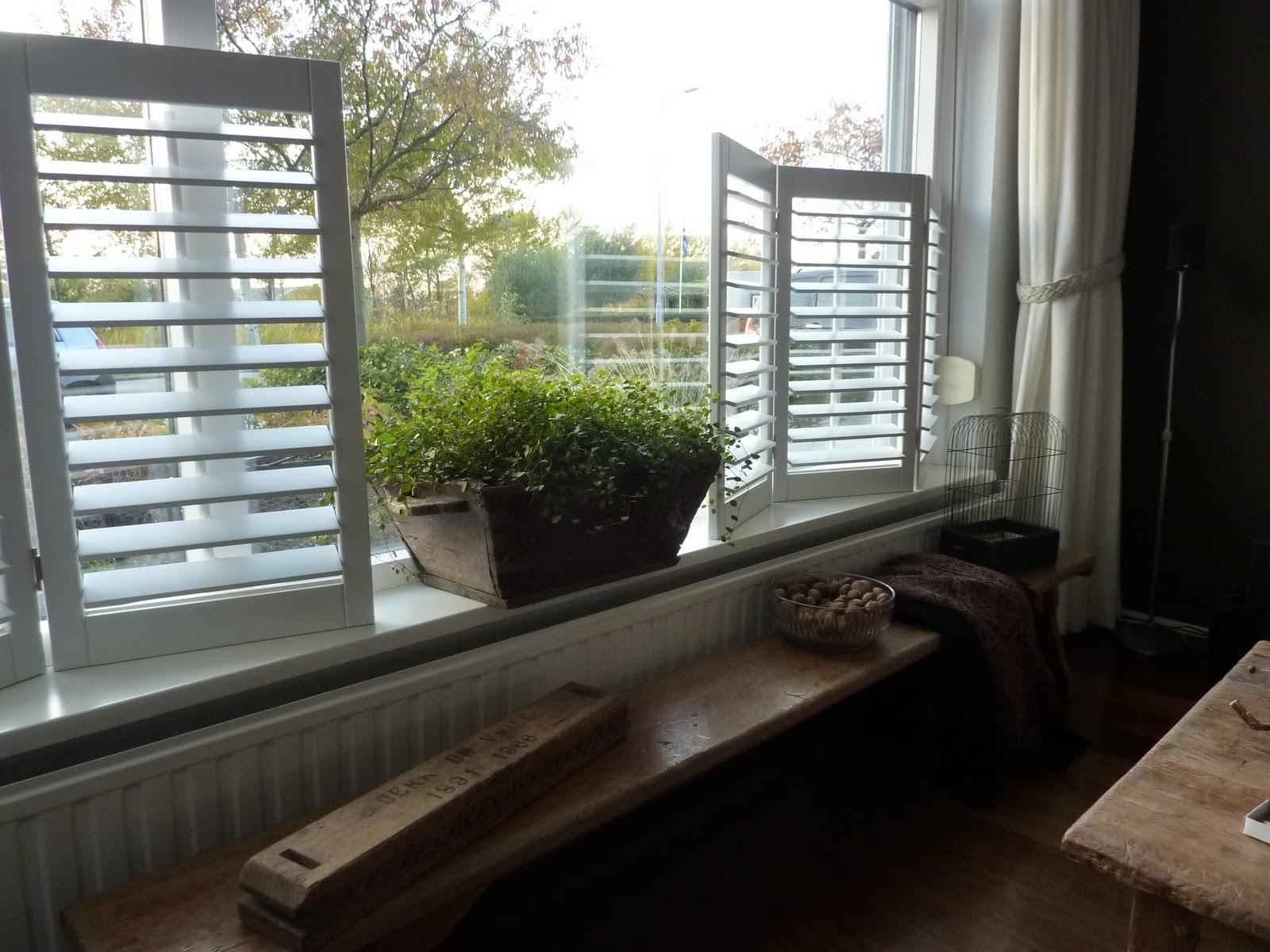 Wonen in zeeland pffffttttt for Houten decoratie voor raam