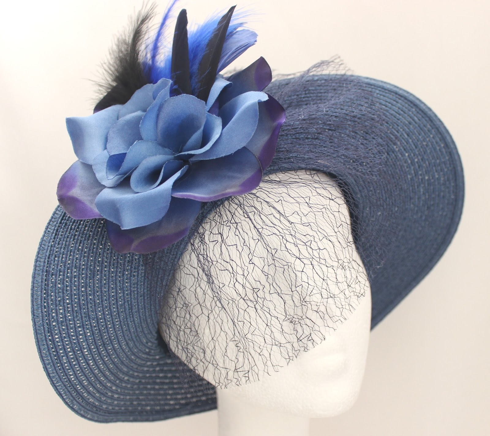Colección Zinnia - Pamela Azul Bouquet de Cara