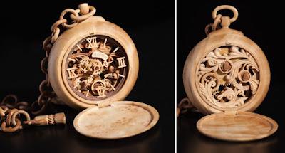Miniatura reloj de Madera