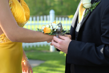 Flower Corsage on To Order Prom Corsage Flowers For Your Date   The Flower Shoppe S Blog