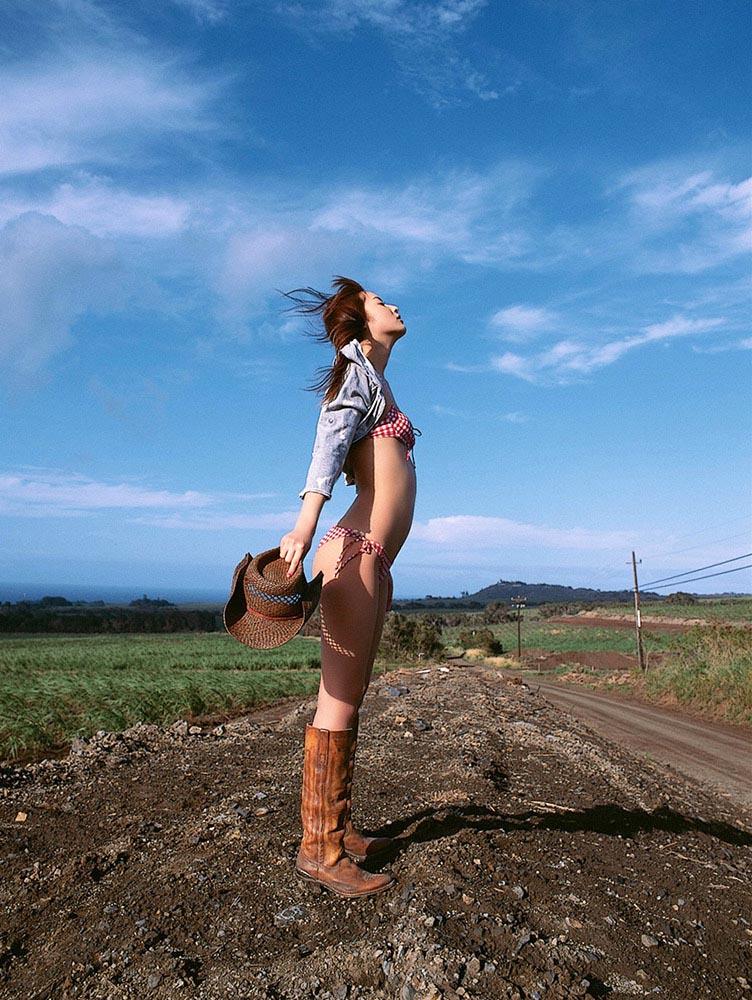 nozomi sasaki sexy cowboy bikini photo 02
