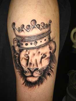 leão com coroa