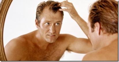 Los cabellos grasos cerca de las raíces y las máscaras secas sobre los fines para los cabellos
