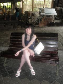 YohYi Shumi Jing sexy legs