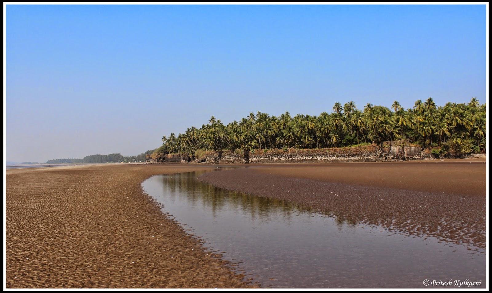 Revdanda Beach fort