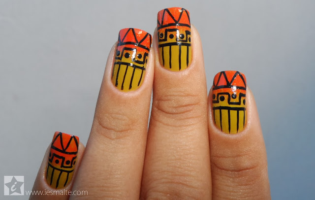 Unhas Decoradas - Tribal (com esponjado)