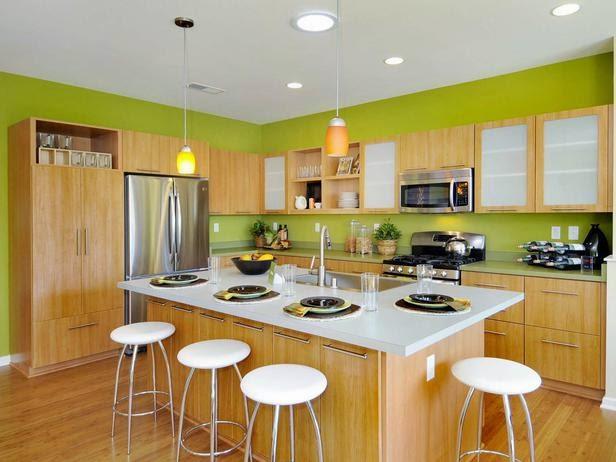 Dapur bersih dengan furniture modern dan warna alami