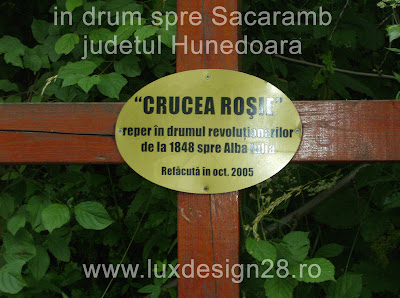 """Crucea Rosie"" reper in drumul revolutionarilor de la 1848 in drumul lor catre Alba iulia - refacuta in luna si anul octombrie 2005"